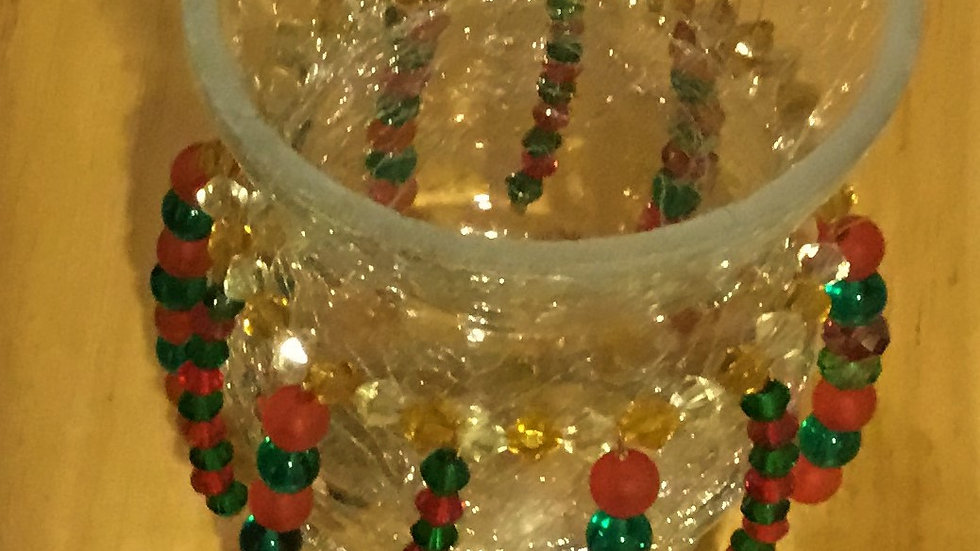 Christmas vase with faceted beads