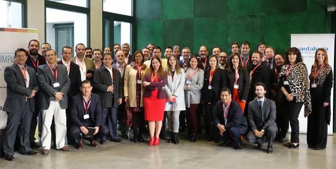 Santalucía recibe la visita de una delegación del seguro latinoamericano