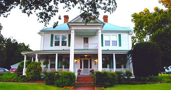 front-of-annies-inn-1200x630-cropped.jpg