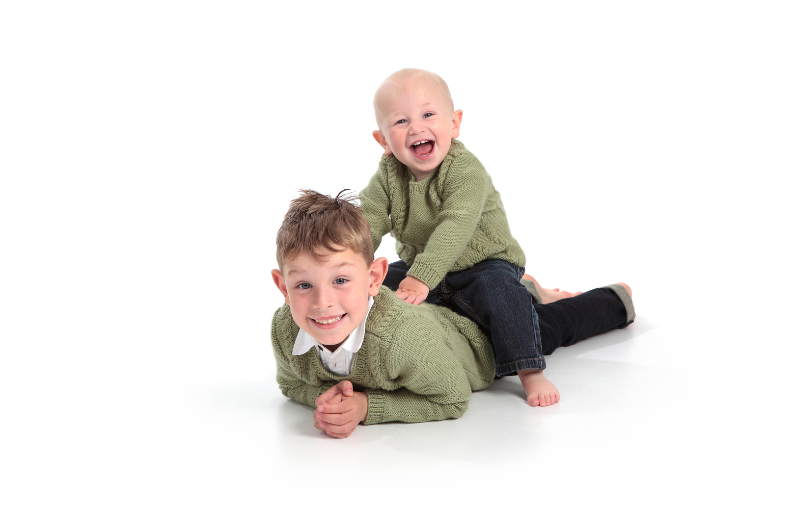 Fun relaxed portraits in Hessle near Hull.