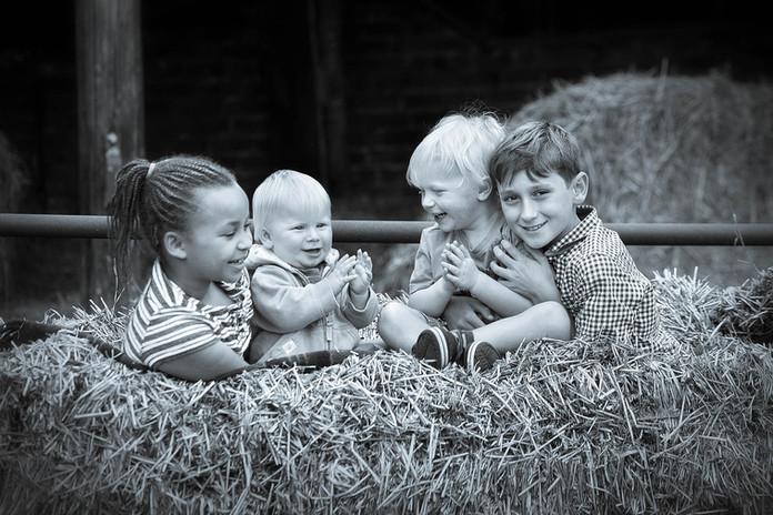 Children playing Hull