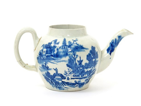 Early American teapot brews up a bidding war to £460,000