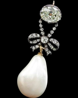 Marie Antoinette's pearl pendant sells at Sotheby's in Geneva