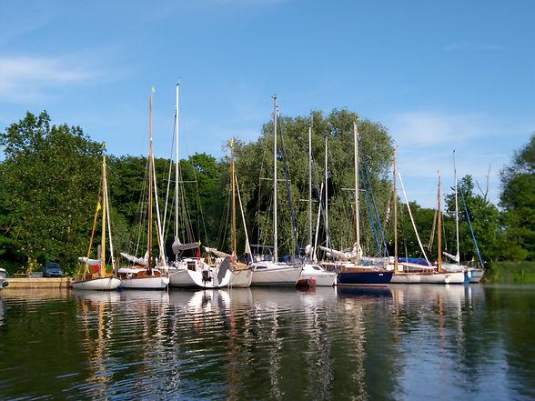 Yachts Surlingham Ferry