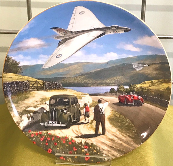 Wedgwood 'Thunder Over The Lakes' Decorative Plate No.3571A