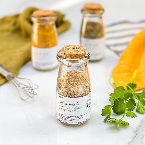 Sal de coentro em grãos e pimenta da Rê 90g