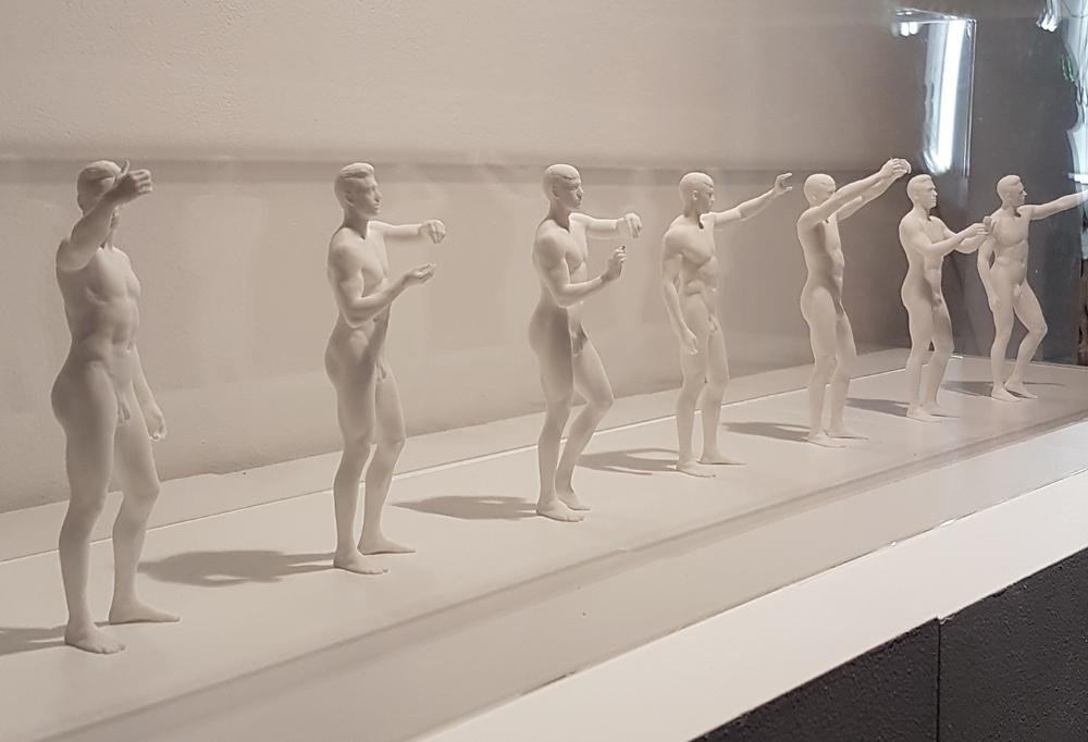 Différentes statuaires et représentations de gestes réalisées par Stéphane Simon