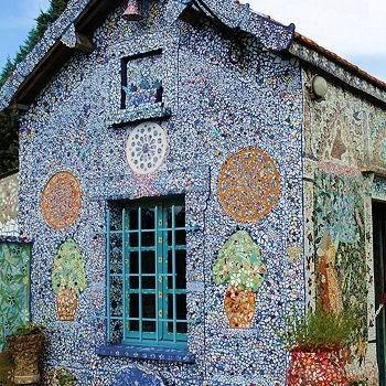 Façade de la Maison Picassiette