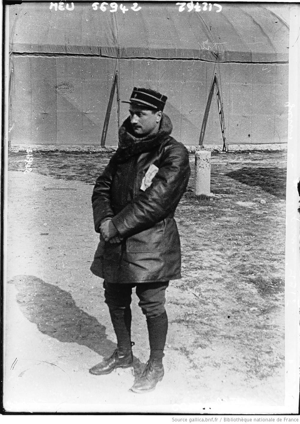 Photographie de Roland Garros, aviateur militaire.
