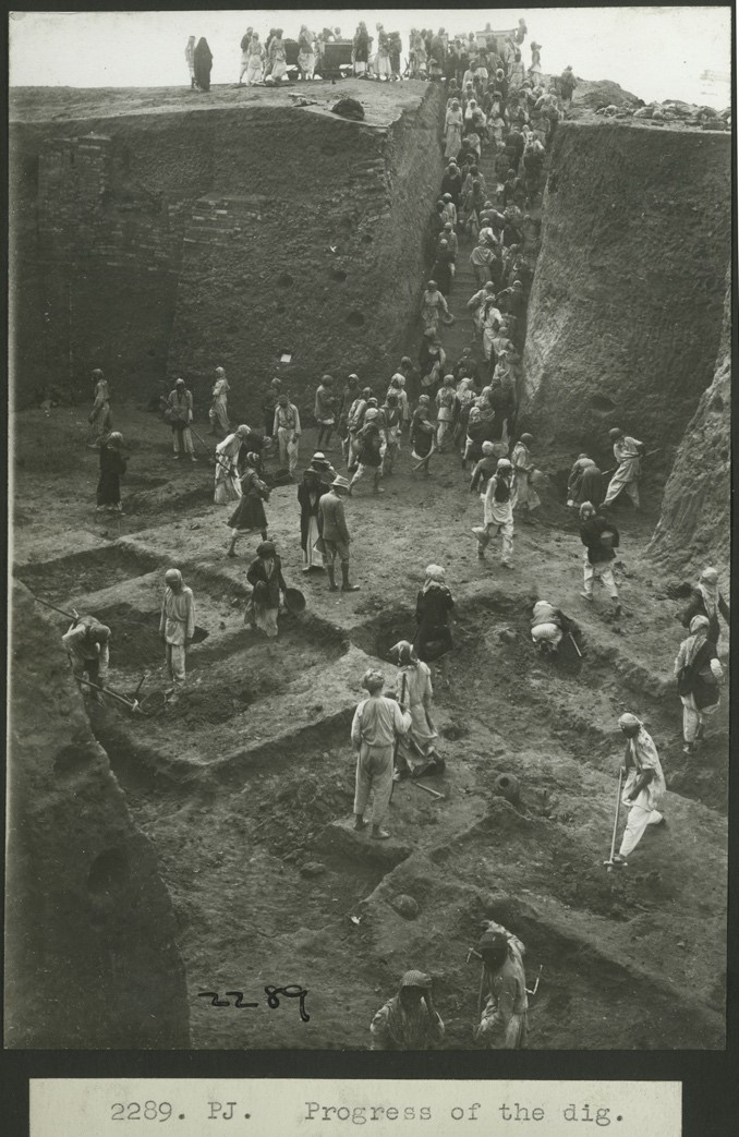 Images d'archives des fouilles du cimetière d'Ur