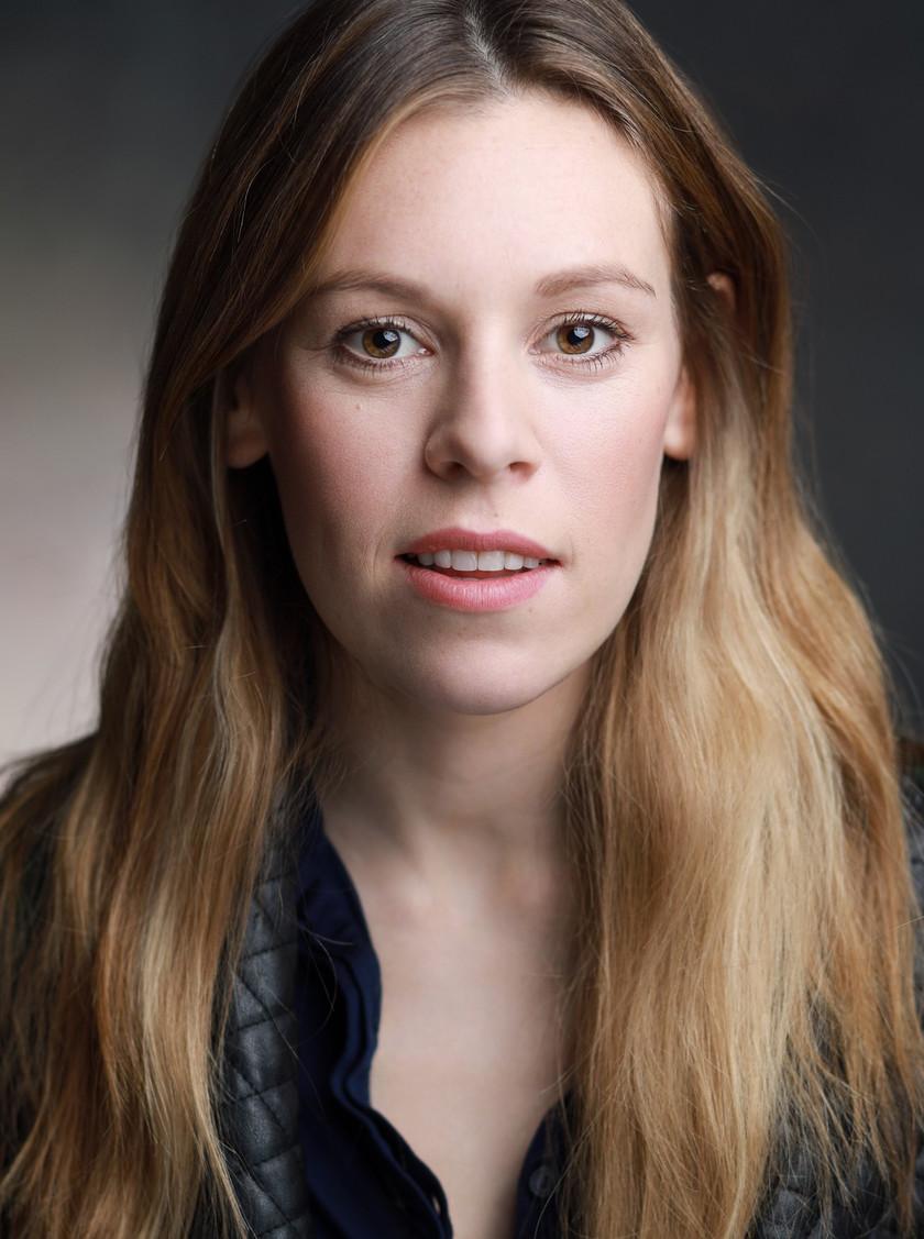 Stephanie De Whalley | Alice