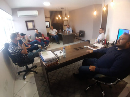 Reunião define ações para reforçar atendimento com produtos do Iguaçu