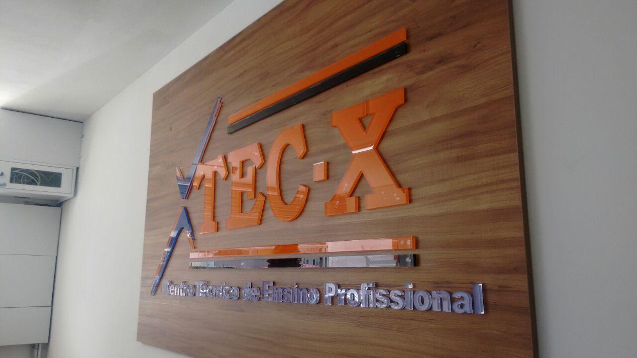 Escola Tec - X