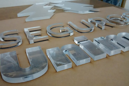 Letra em acrilico Trasparente de 10 mm