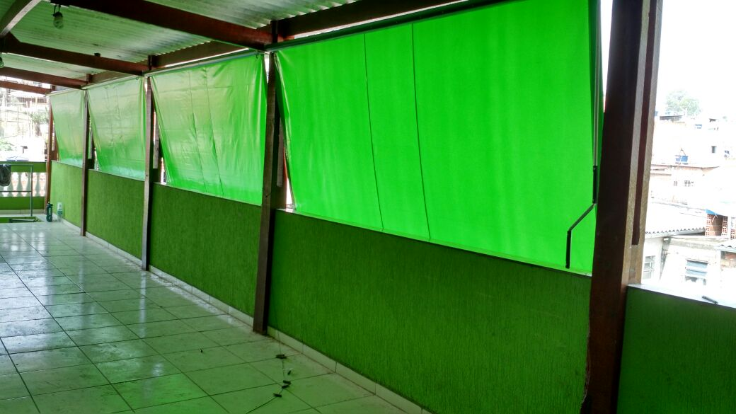 Toldo cortina residencial.