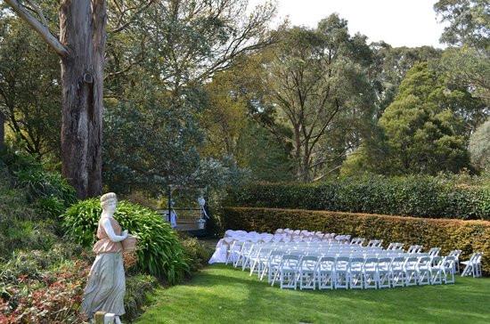 Wedding Celebrant Mount Dandenong
