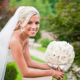 ivory rose bridal bouquet.jpg