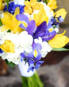 yellow and blue iris bouquet.jpg