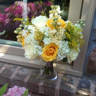 yellow and white bouquet.jpg