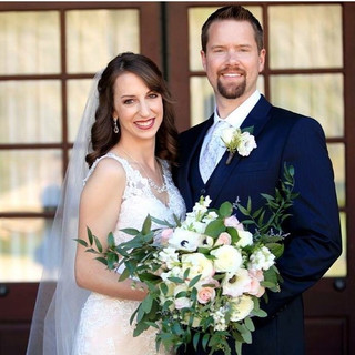 white blush and anemone bridal bouquet.j