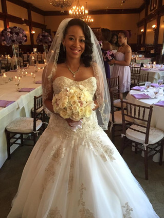 ivory bridal bouquet.jpg