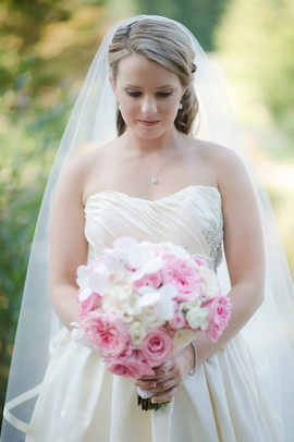 pink and white bridal bouquet.jpg