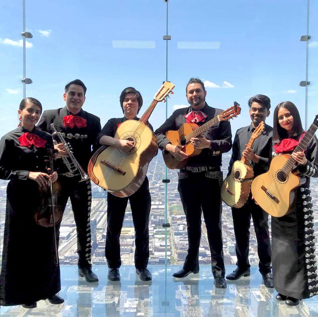 Rosalba Valdez & Mariachi Son De Fuego at Willis Tower