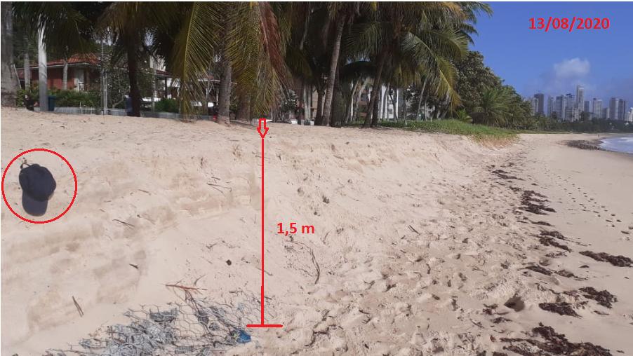 Foto 8: Processo erosivo em propagação na direção da praia de Tambaú (Foto feita em 13/08/2020).