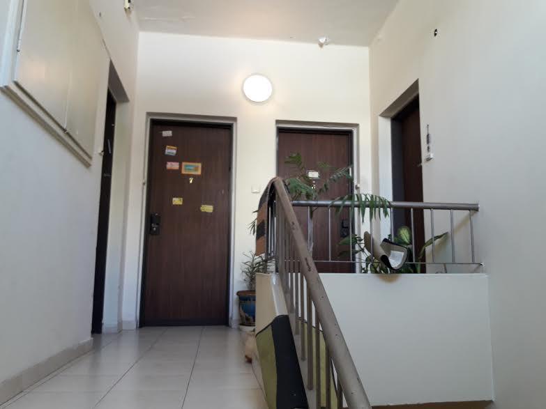 חדר מדרגות גולומב 24