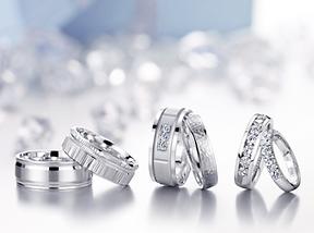 CrownRing+Wedding+Rings.png