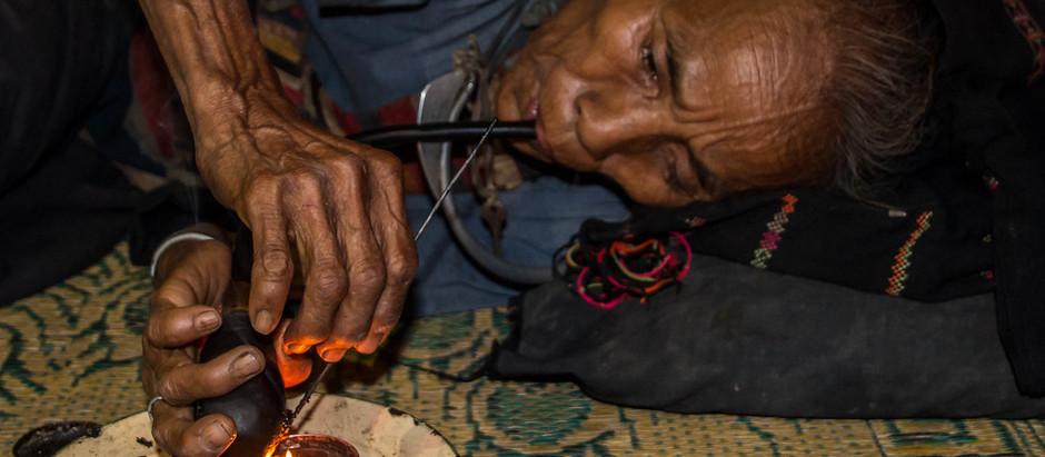 L'opium au Laos : histoire, politiques, et enjeux