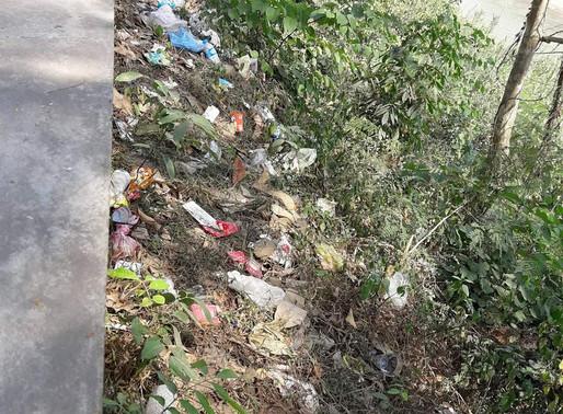 Un projet de recyclage au centre pour enfants sourds et muets de Luang Prabang (Delphine)