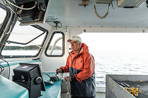 Range shift /Climate Change Brought a Lobster Boom. Now It Could Cause a Bust.  The New York Times