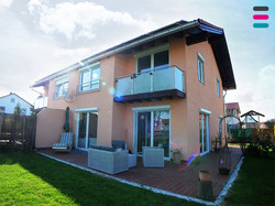 Modernes Haus im Fuchstal