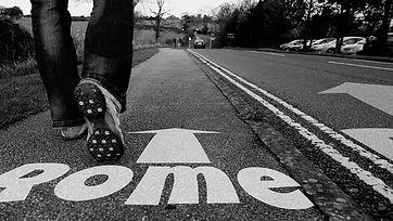 on-foot-484364_1280.jpg