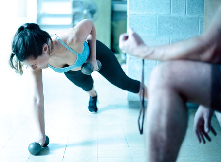 10 Signs Your Personal Trainer Sucks