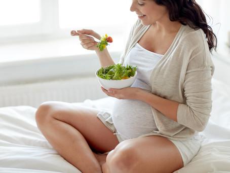 ¿Qué debo comer durante el embarazo?