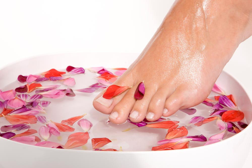 Make a New Style Foot Massage (1) - Dubai Best Massage Service