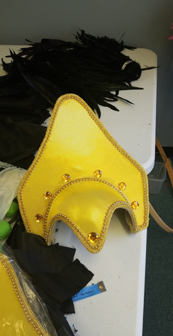 Making of a headdress