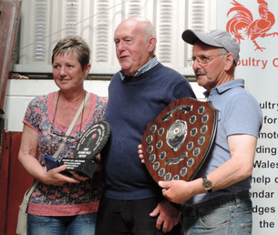Huw and Carol Jones receiving the Best in Show Shield from Huw Thomas.