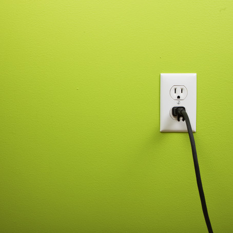 Quick! Gimme an outlet to recharge!