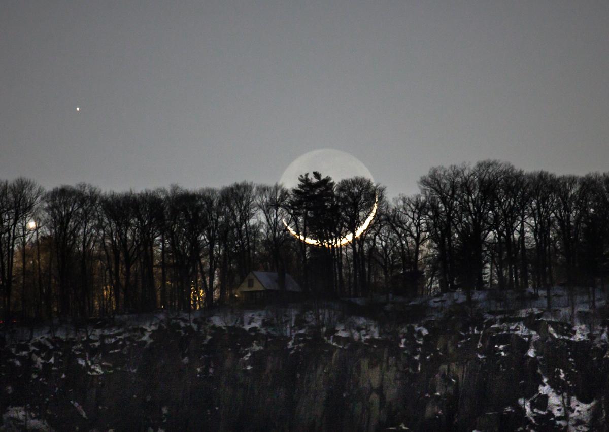 New Moonset