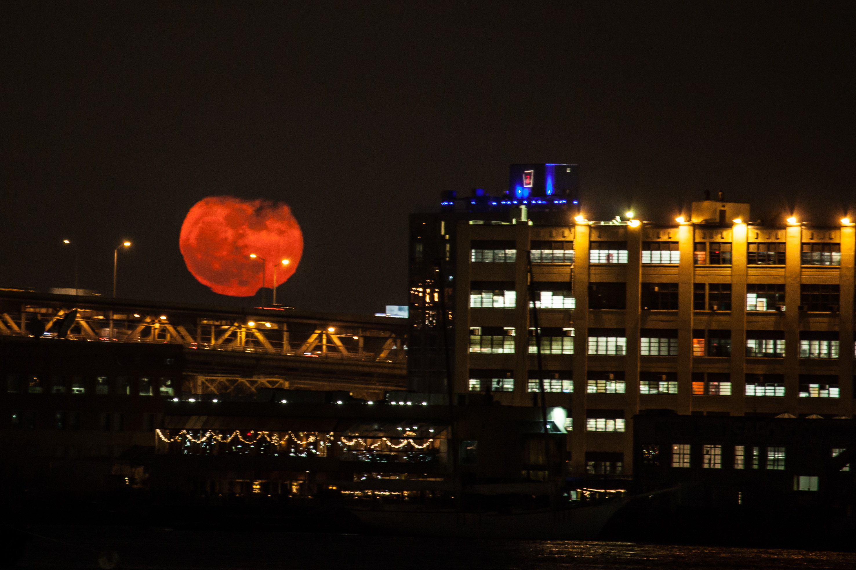 Red Moonrise