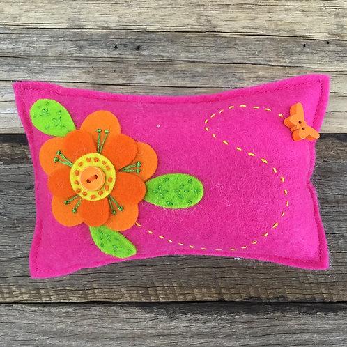 Lickety Split Pin Cushion Kit - Pink