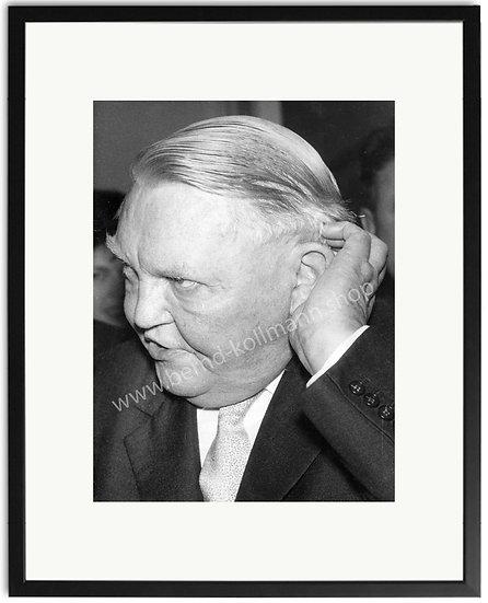 Ludwig Erhard - Kopfkratzer