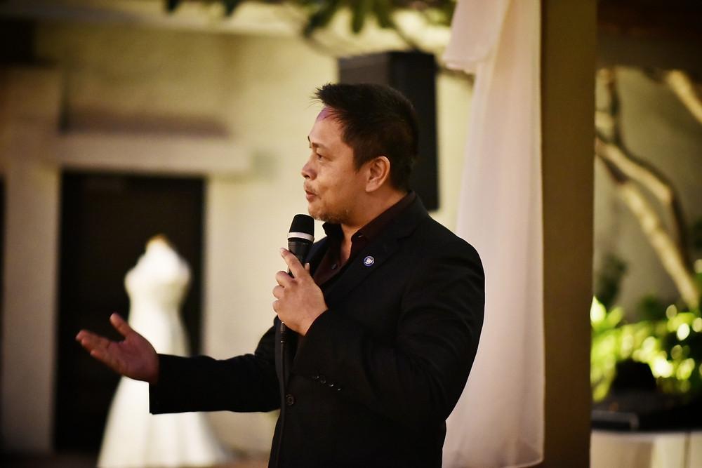 Rev. James Chun speaking at Wedding Week Hawaii