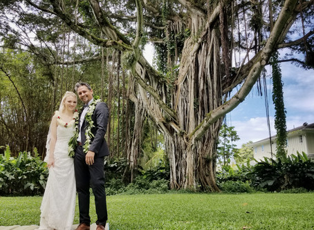 Intimate elopement at Nuuanu Valley