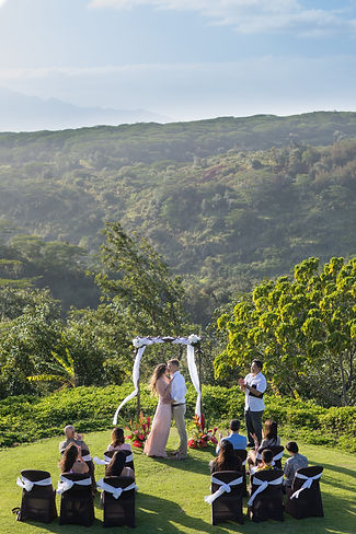 Manana Hills Estate Wedding Elopement in Hawaii