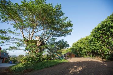 Manana Hills Estate - Entrance