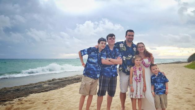 Family Wedding Elopement in Hawaii